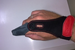 Custom Leathercraft Manufacturing fishing glove